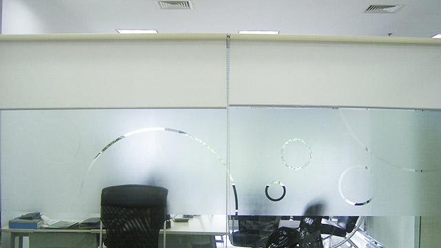 双潇玻璃装饰膜均选用品牌膜材,质量安全可靠!