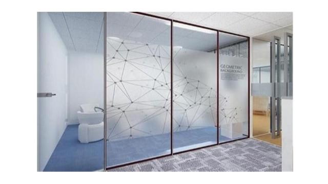 在选购玻璃贴膜时需要注意哪些事项?