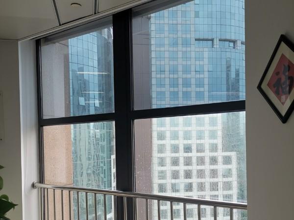办公室窗户贴隔热膜案例