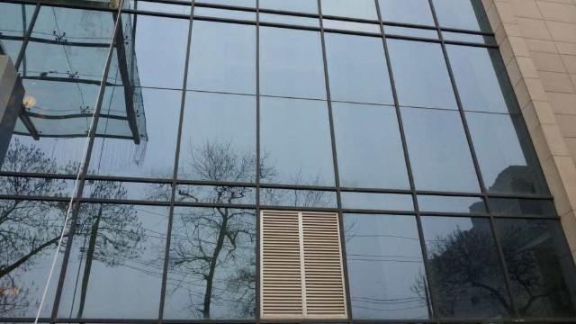 建筑玻璃安全膜的好处有哪些?
