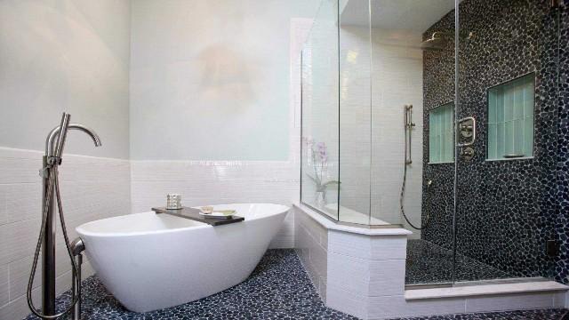 淋浴房玻璃需要贴防爆膜吗?优点有哪些?