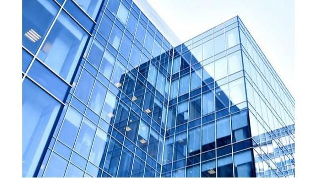 双潇讲解玻璃幕墙贴隔热防爆膜的重要性