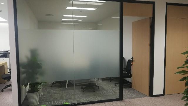 办公室玻璃贴磨砂膜可以起到什么效果?