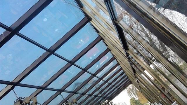 建筑玻璃幕墙贴隔热膜的作用有哪些?
