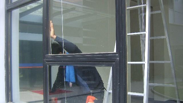 窗户贴隔热膜既能隔热又不影响透光效果吗?