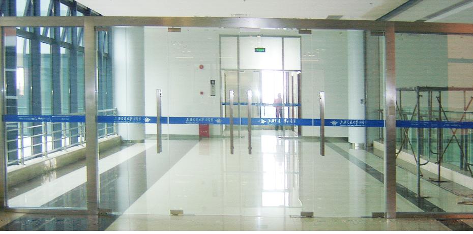 上海交通大学广告贴膜案例02