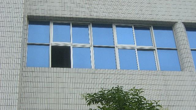 建筑玻璃贴膜的好处和坏处有哪些?